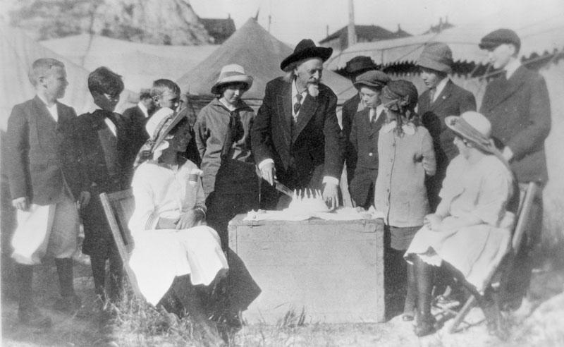خرید کیک تولد - تاریخچه کیک